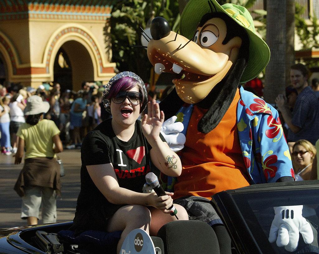 Kelly Osbourne rode a float with Goofy in September 2004.