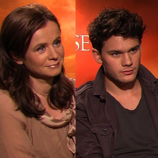 Video: Emily Watson and Jeremy Irvine on Spielberg War Horse