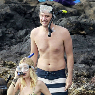 Donald Faison and Zach Braff Snorkel in Maui Shirtless
