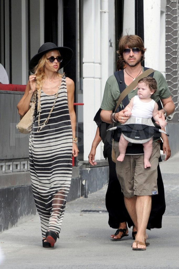 Rachel Zoe wore stripes to shop with her husband, Rodger Berman, and their son, Skyler Berman.
