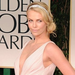 Charlize Theron Dior Dress Pictures at 2012 Golden Globes