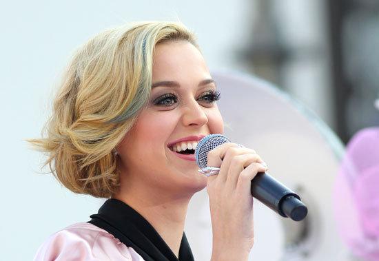 Katy Perry False Eyelashes Line
