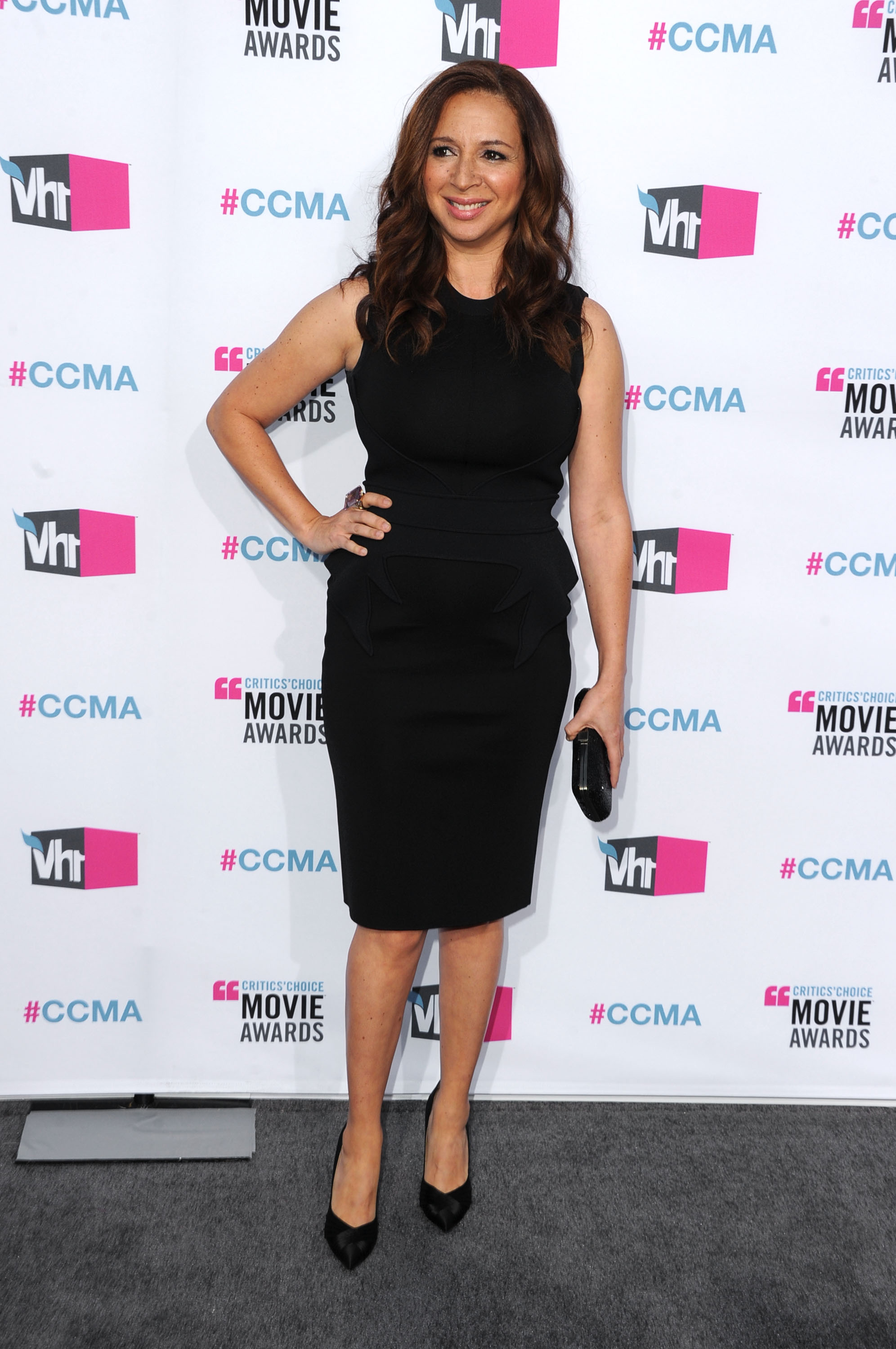 Maya Rudolph on the gray carpet at the 2012 Critcs' Choice Movie Awards.