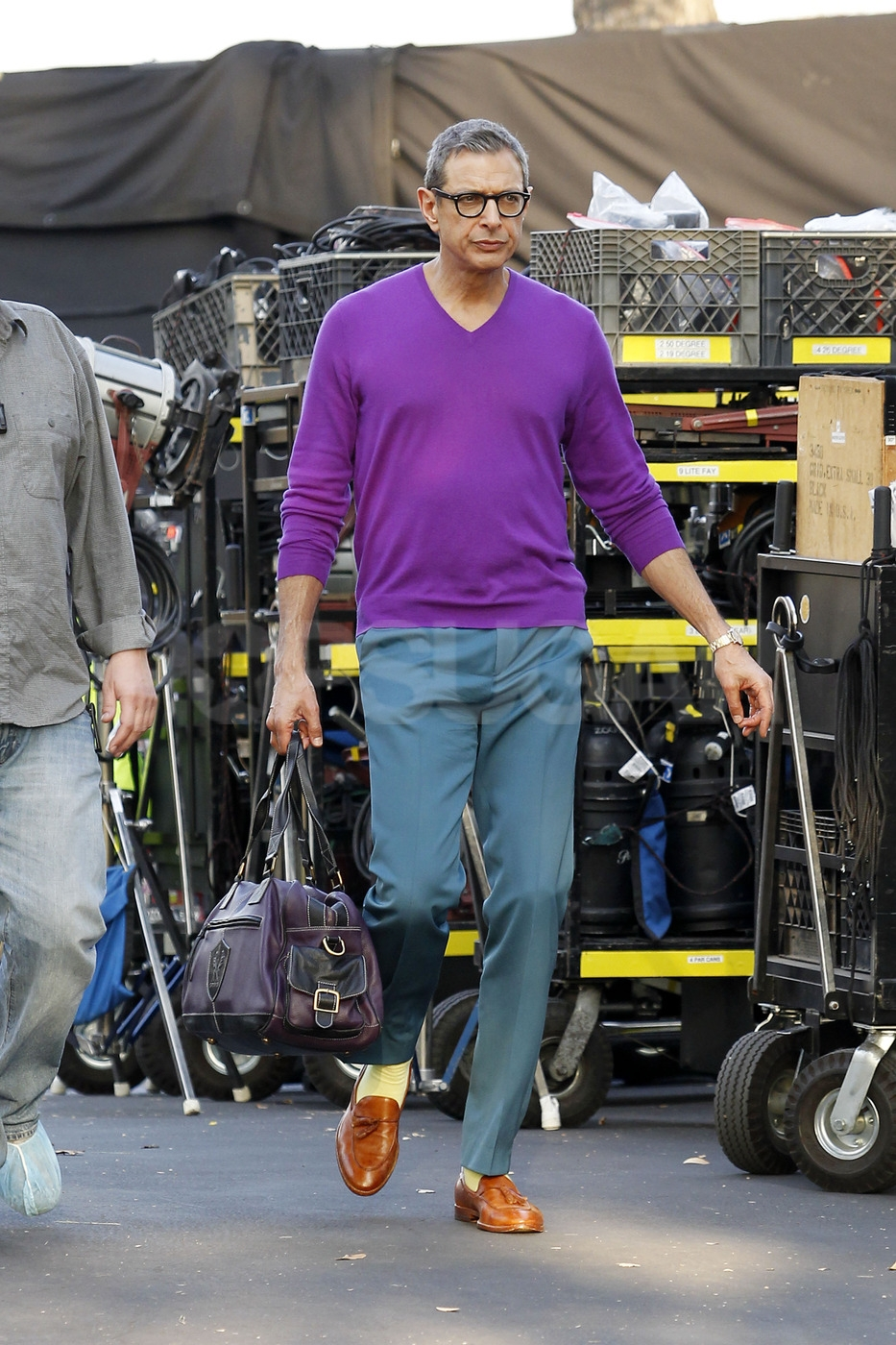 Jeff Goldblum made his debut as one of Rachel Berry's dads on the Glee set.