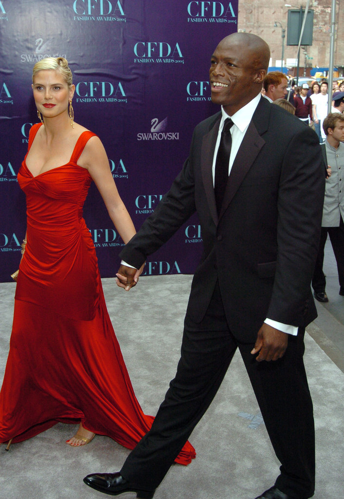 Heidi and Seal held hands at the 2004 CFDA Fashion Awards in NYC.