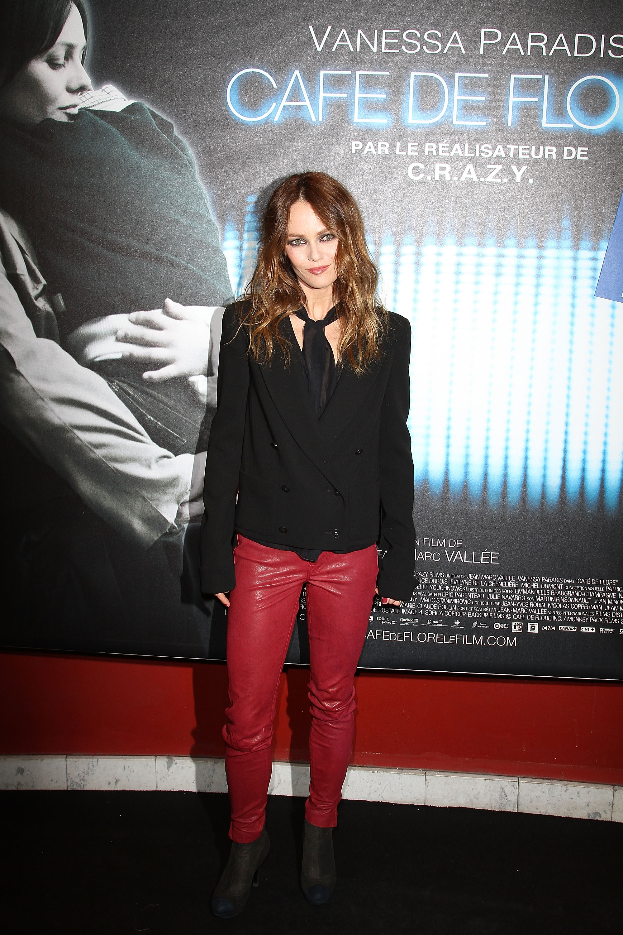 Vanessa Paradis wore red leather pants on the red carpet ... Vanessa Paradis Breakup