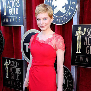 Michelle Williams in Red Lace Valentino Dress Pictures at 2012 SAG Awards