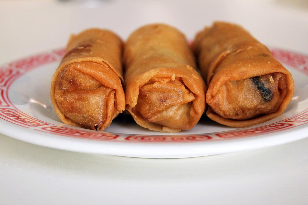 Cheun Gyun (Deep-Fried Spring Rolls)