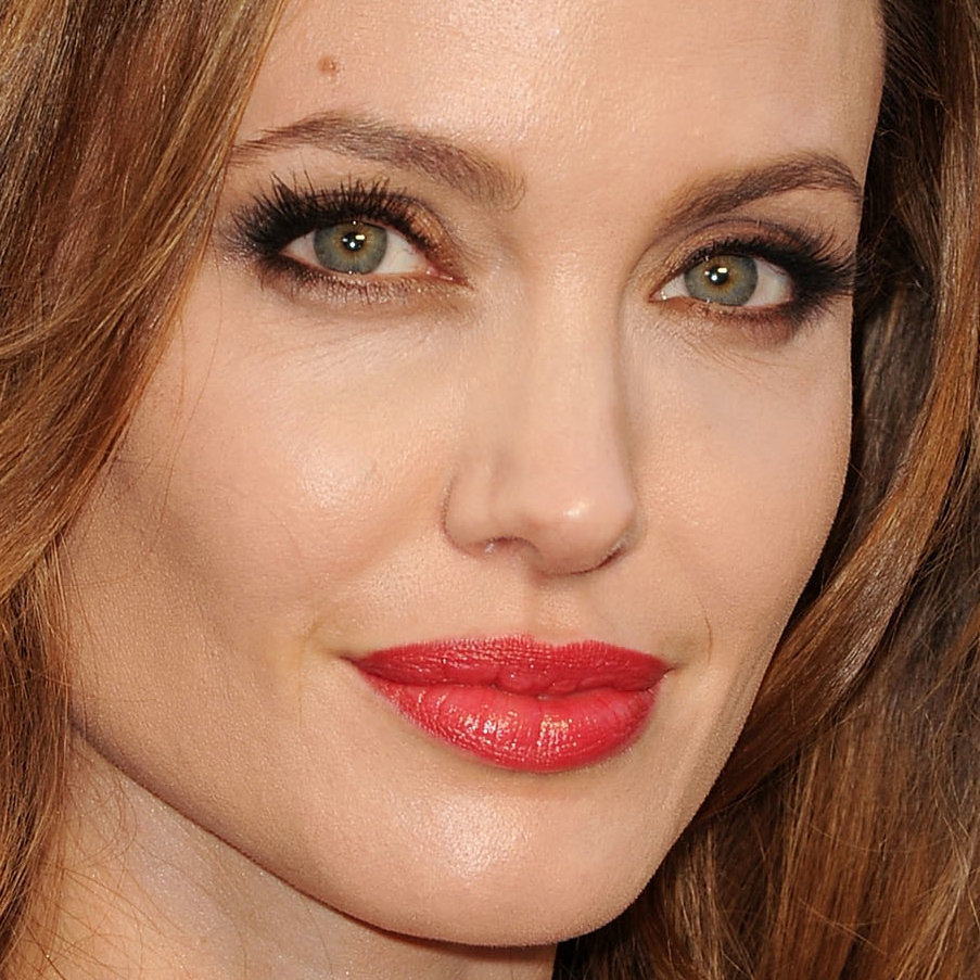 Angelina Jolie: Her Oscars Makeup See 61 of This Year's