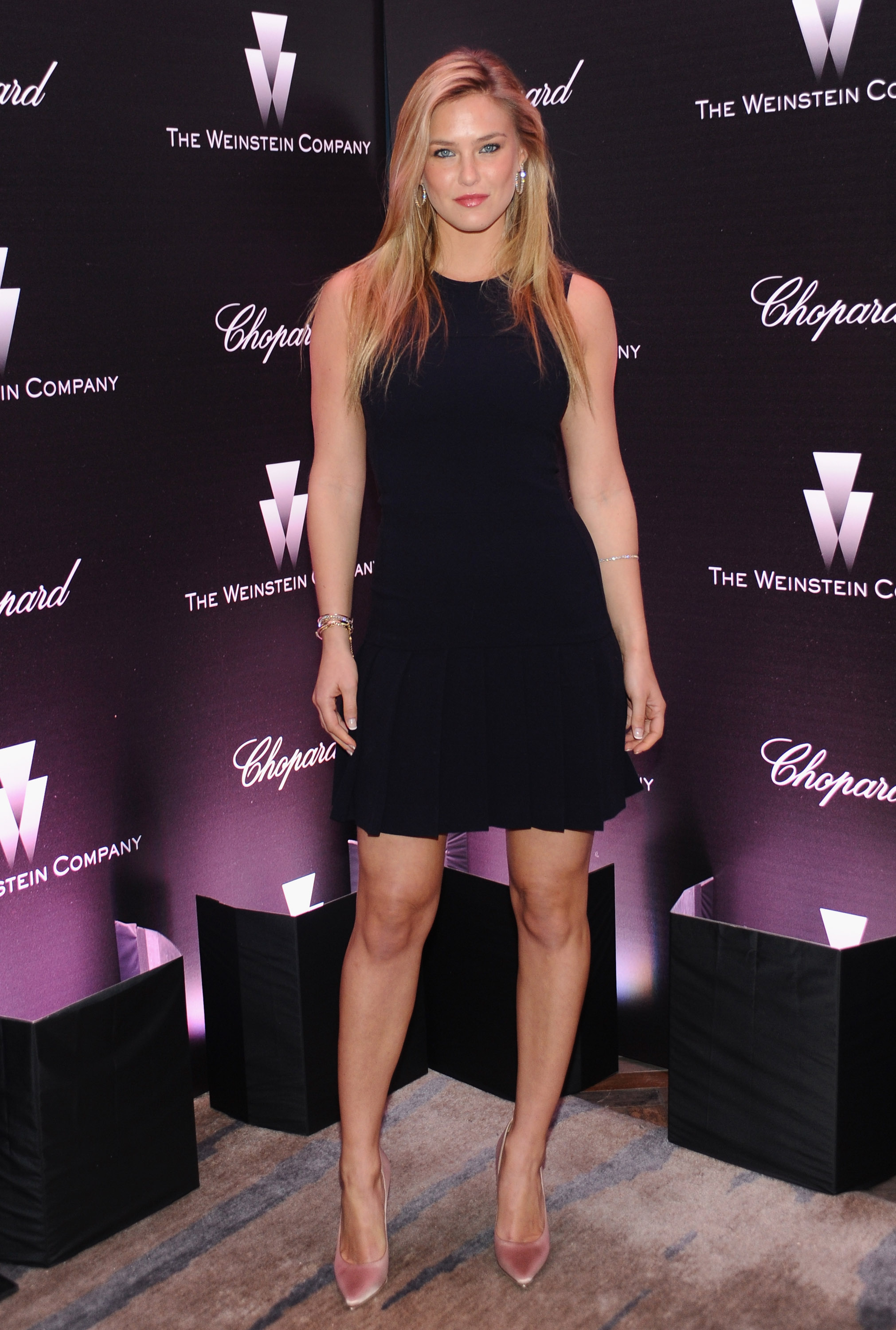 Bar Refaeli went sexy in a short black cocktail dress and