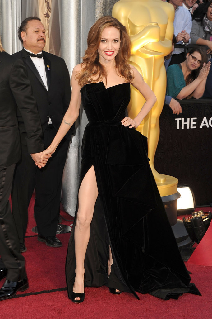 Angelina Jolie had no problem showing off the thigh slit detailing on her Versace Atelier gown.