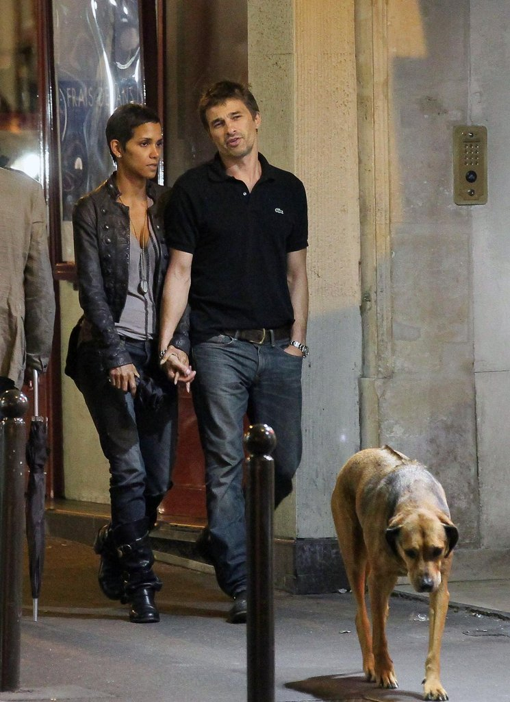 Halle Berry and Olivier Martinez walked his dog in Paris in September 2011.