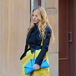 Blake Lively in a Trench on the Gossip Girl Set Pictures