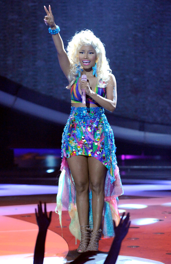 Nicki Minaj threw up a peace sign during her performance on American Idol.