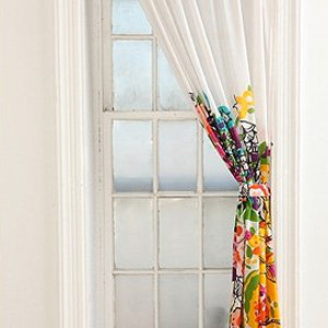 Shopping For Low-Cost Curtains