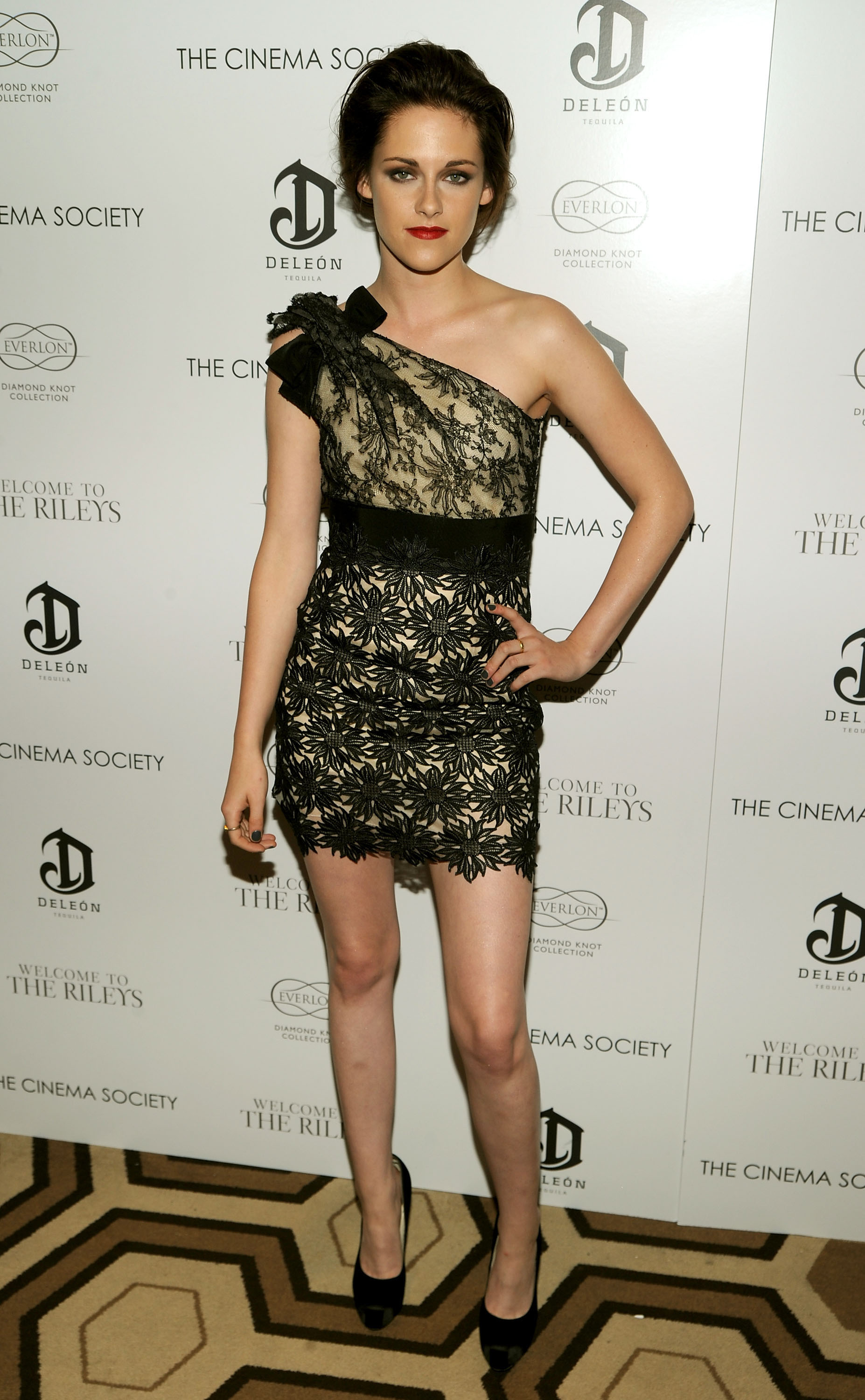Kristen wowed at a screening of Welcome to the Rileys in a one-shoulder frock in October 2010.