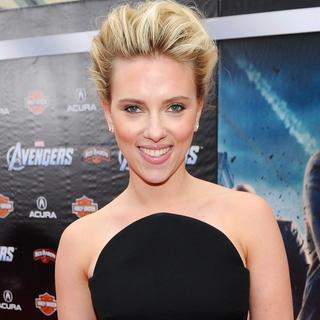 Scarlett Johansson in Versace at The Avengers Premiere