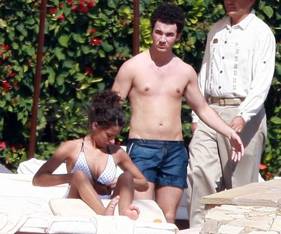 Kevin Jonas and his new wife Danielle traveled to Mexico for their honeymoon in December 2009, following their Long Island wedding.