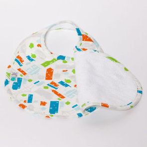New Four-Sided Bib From Bebe au Lait