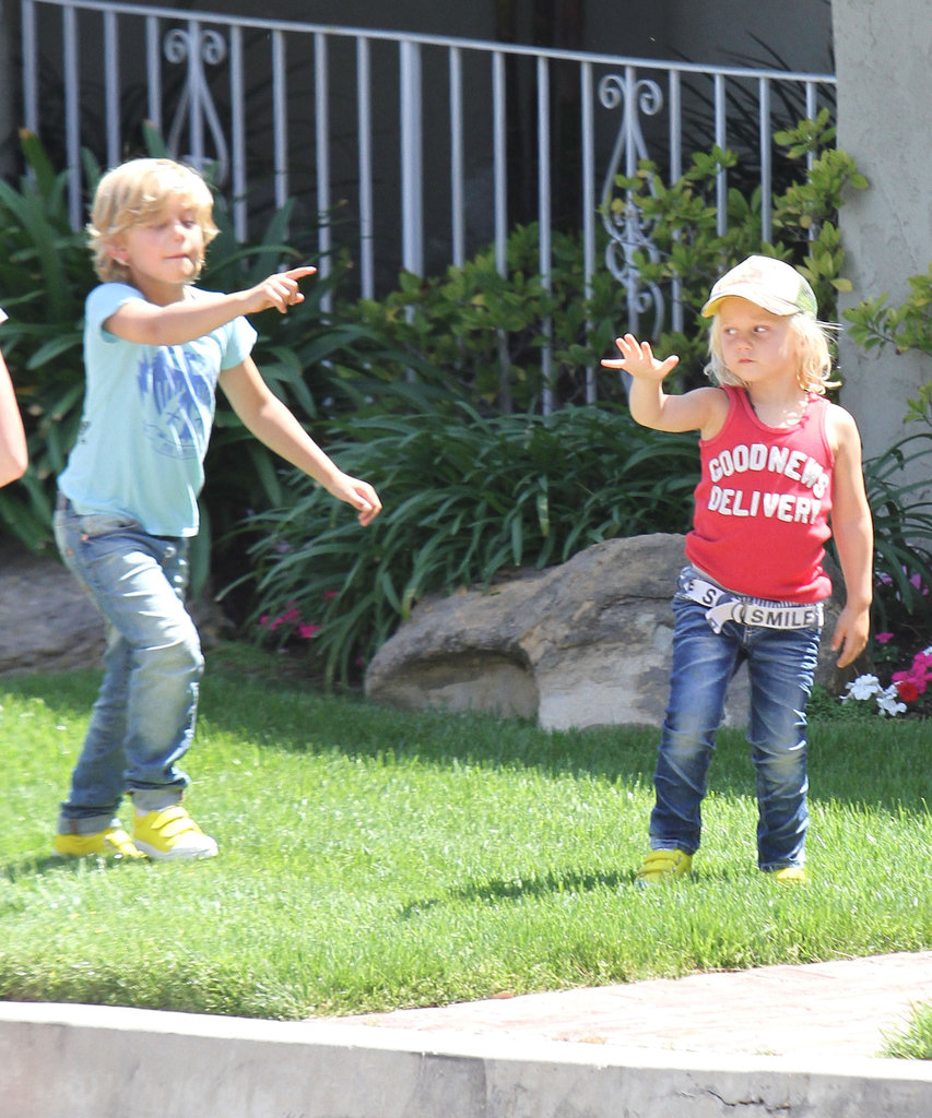 Brothers Zuma Rossdale and Kingston Rossdale played outside before heading to a birthday party with mom Gwen Stefani.