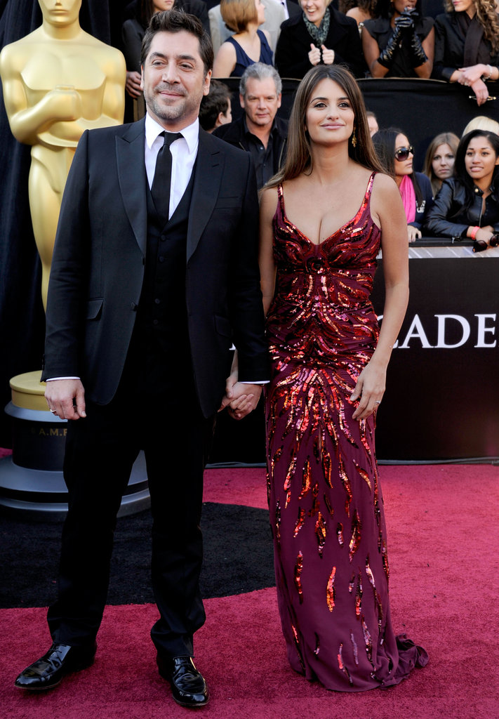 She flaunted her postbaby body at the February 2011 Oscars in LA, wearing a low-cut, fitted gown just weeks after giving birth to son Leo.