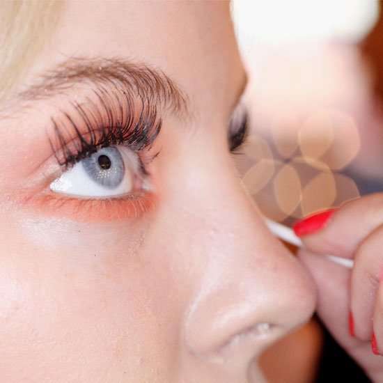 How To Apply A Set Of False Eyelashes So They Look Natural