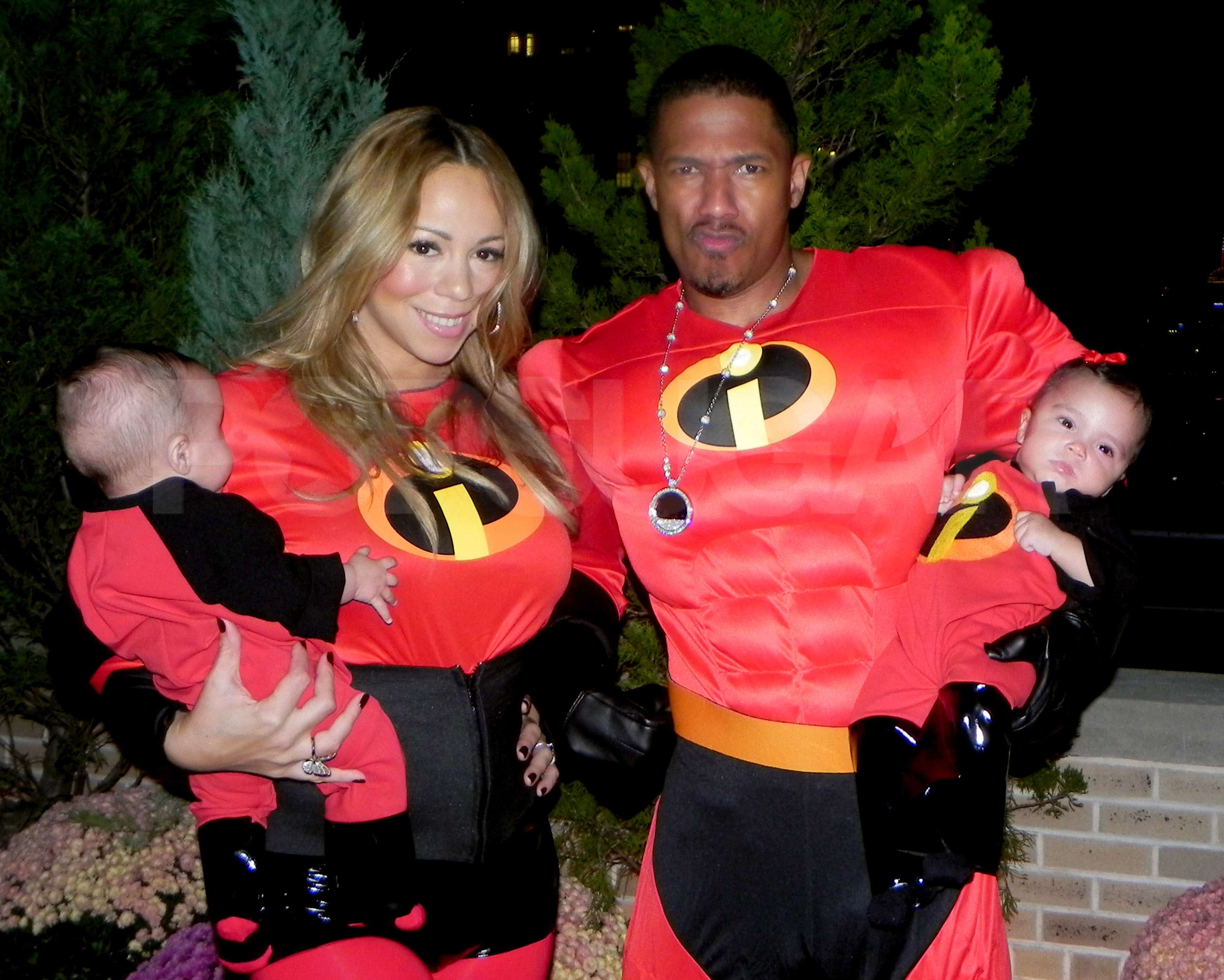 Epic Family Halloween Costumes  sc 1 st  Kelly Rowland & Epic Family Halloween Costumes - The Incredibles | Kelly Rowland