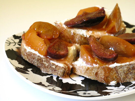 What to Make: Roasted Apricot Toast