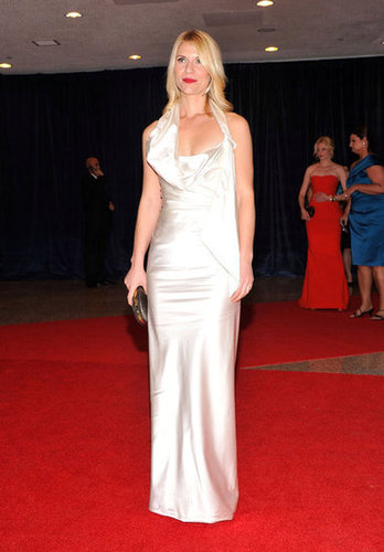 Claire Danes was stunning in a long white dress at the White House Correspondant's Dinner.