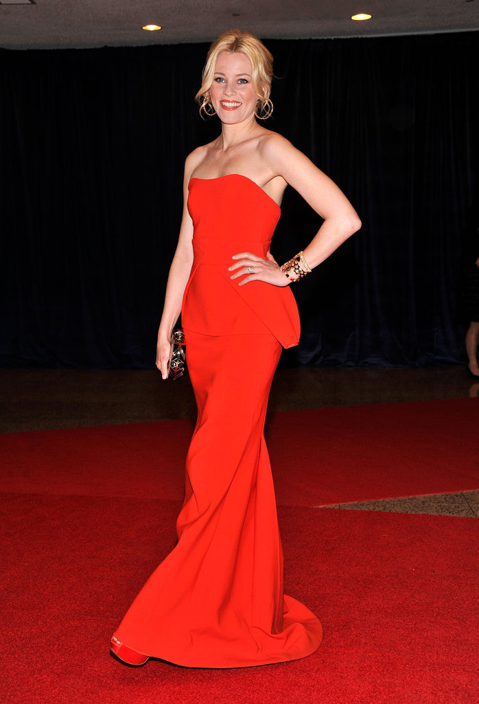 Elizabeth Banks posed in a stunning red dress.