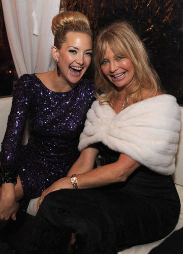 Kate Hudson and Goldie Hawn had a mother-daughter moment at the White House Correspondant's Dinner.
