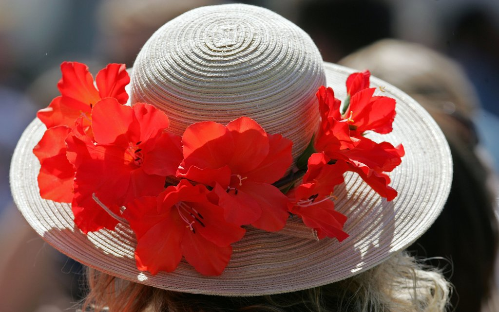 This bright hat made an appearance at the 2006 Derby.