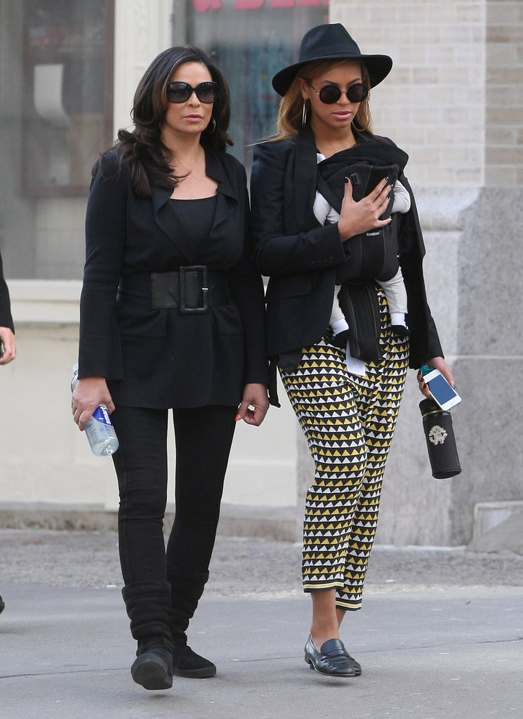 The Knowles Ladies
