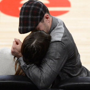 Justin Timberlake and Jessica Biel Kissing Pictures at Lakers Game
