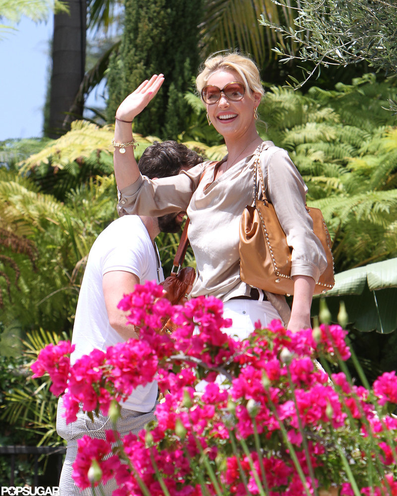 Katherine Heigl carried her daughter into a friend's house in LA.