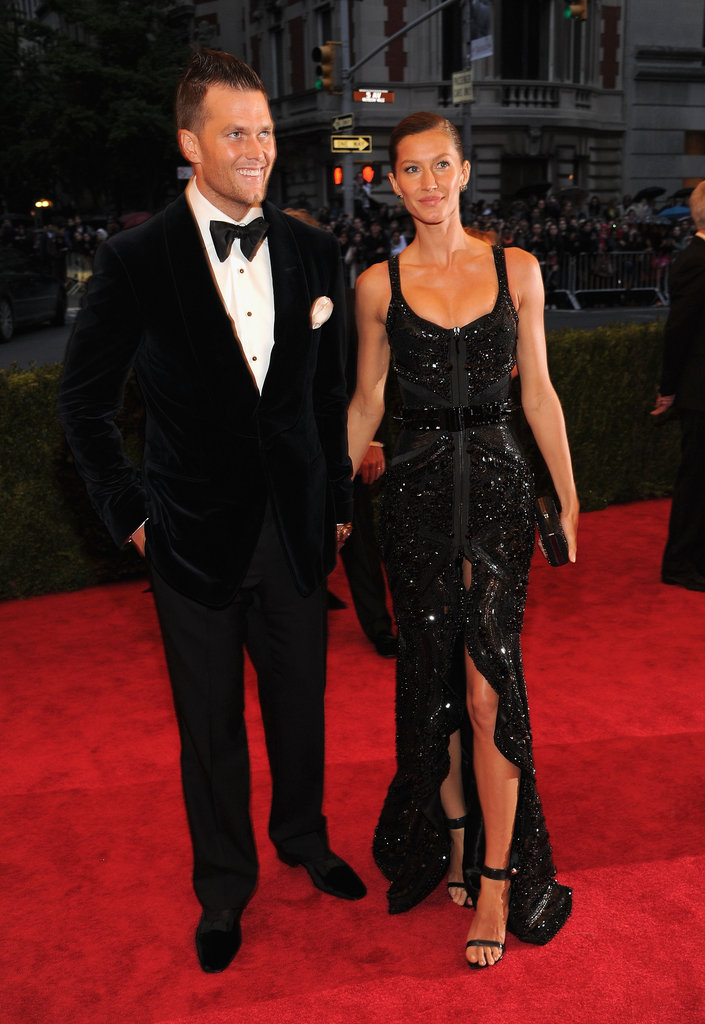 Gisele Bundchen was hand-in-hand with husband Tom Brady on the red carpet of the Met Gala.