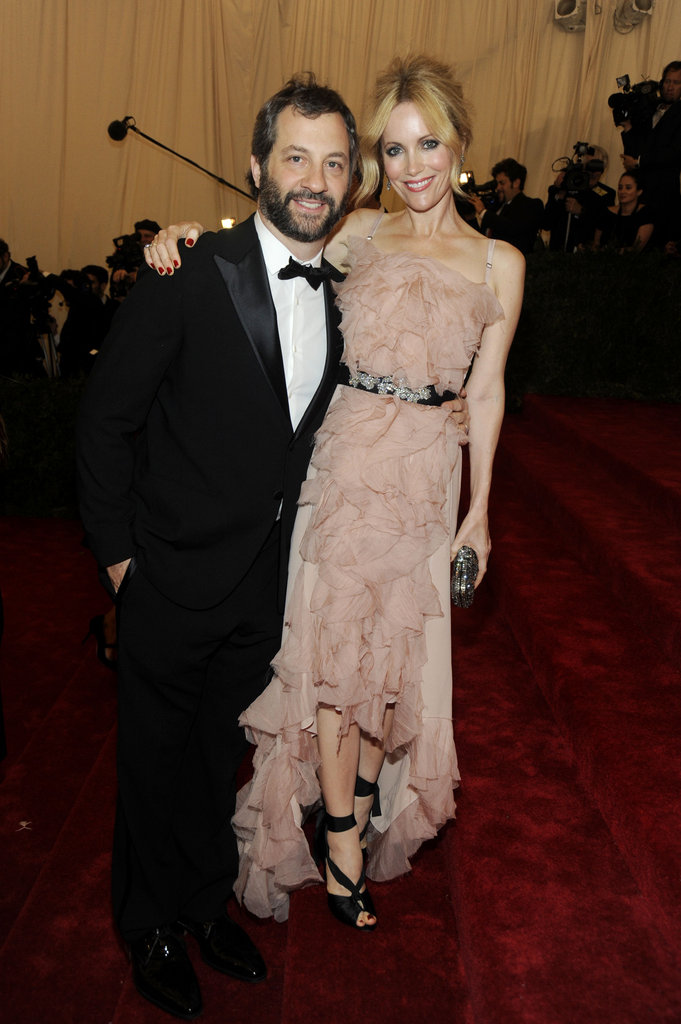 Leslie Mann and Judd Apatow coupled up for their grand entrance.