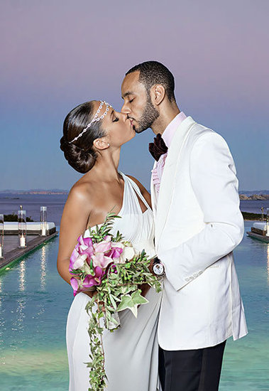 Alicia Keys and Swizz Beatz's Sunset Kiss