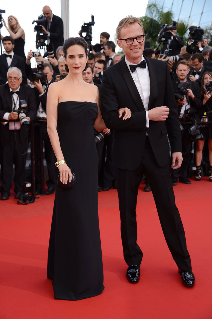 What a cool couple! Paul Bettany and Jennifer Connelly look ultra-chic — and the latter in a supersimple Gucci gown.