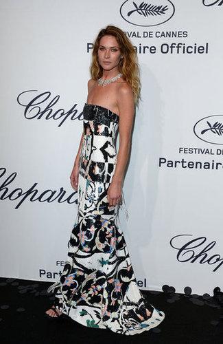 Erin Wasson headed to Chopard's fete in a fringed and beaded Oscar de la Renta gown.