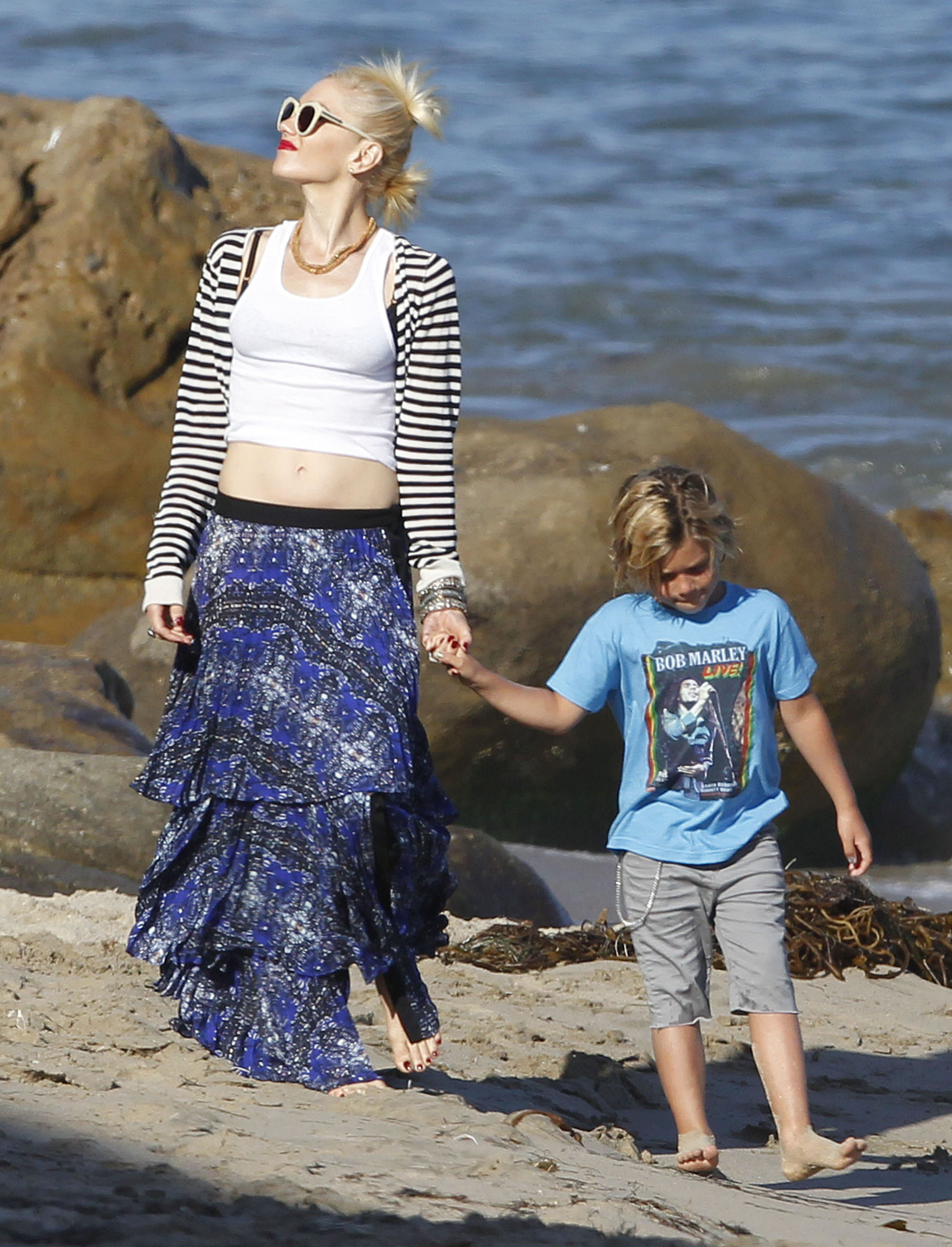 Gwen Stefani held hands with son Kingston on the beach on Memorial Day in LA.