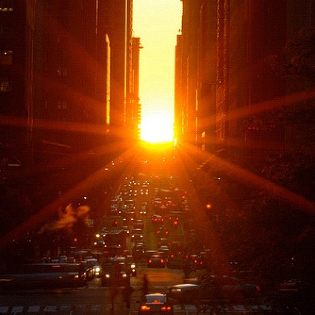The bright rays of Manhattanhenge as captured by justaguy_.