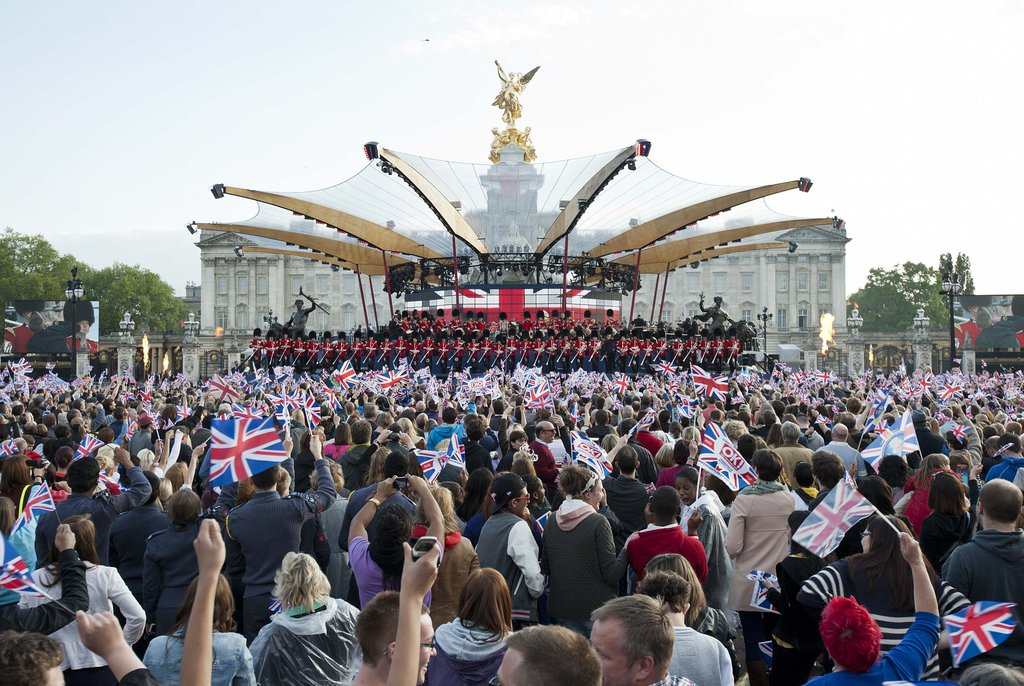 See All the On-Stage Style From the Queen's Jubilee Concert!