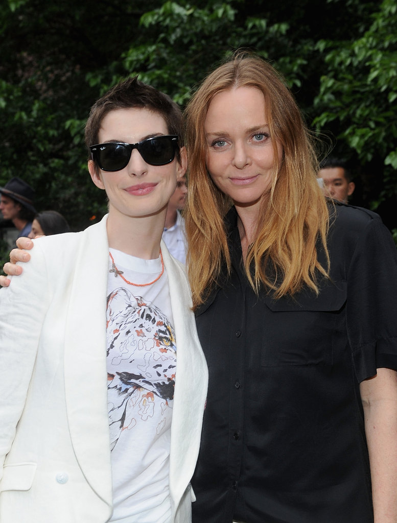 Anne Hathaway and Stella McCartney got together in NYC for the designer's Spring presentation.