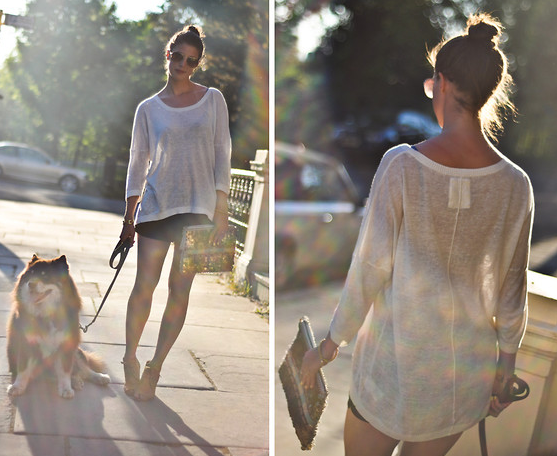 We love everything about the easiness of this look — and her adorable pup, too.  Photo courtesy of Lookbook.nu