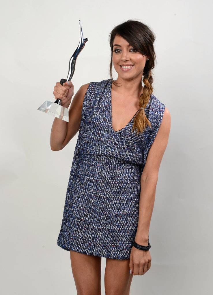 Aubrey Plaza proudly posed with ther Breakthrough Performance award.