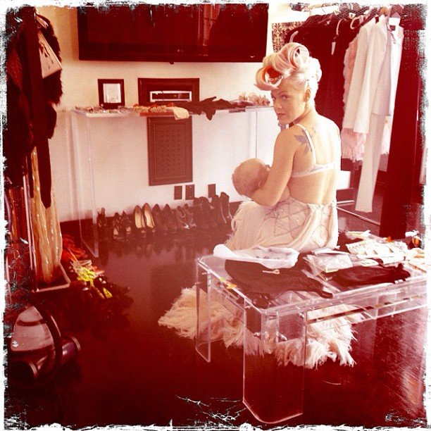 Pink took a break during her album photo shoot to nurse baby Willow. Source: Instagram user pink