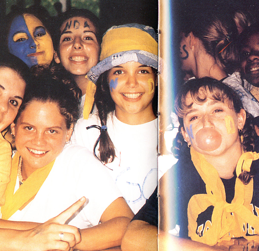 Katie Holmes had plenty of school spirit.