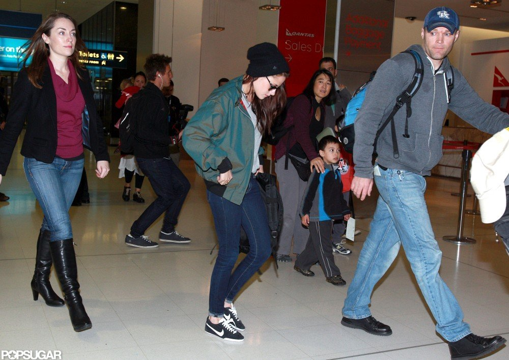 Kristen Stewart traveled through Sydney's airport.