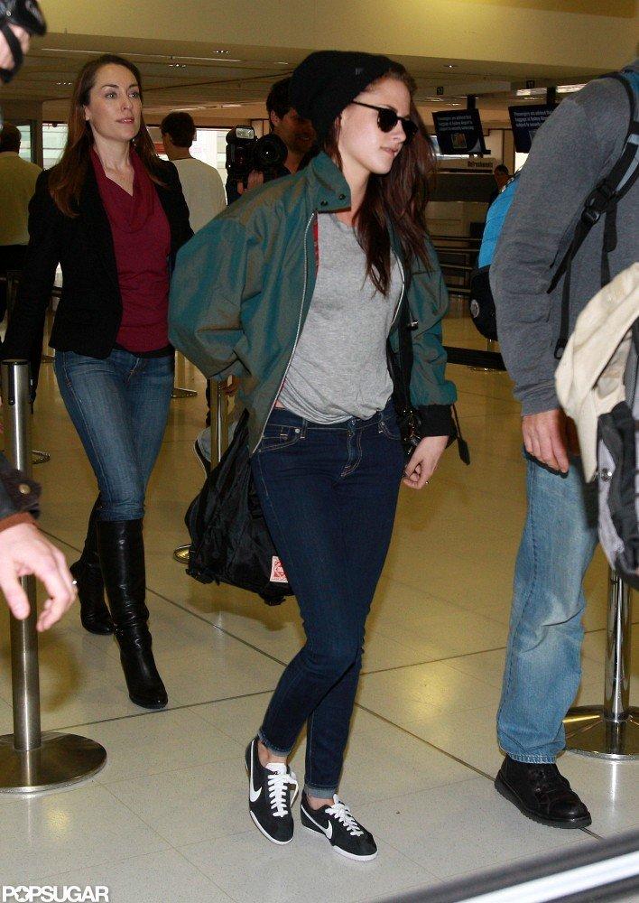 Kristen Stewart traveled through the airport in Sydney.